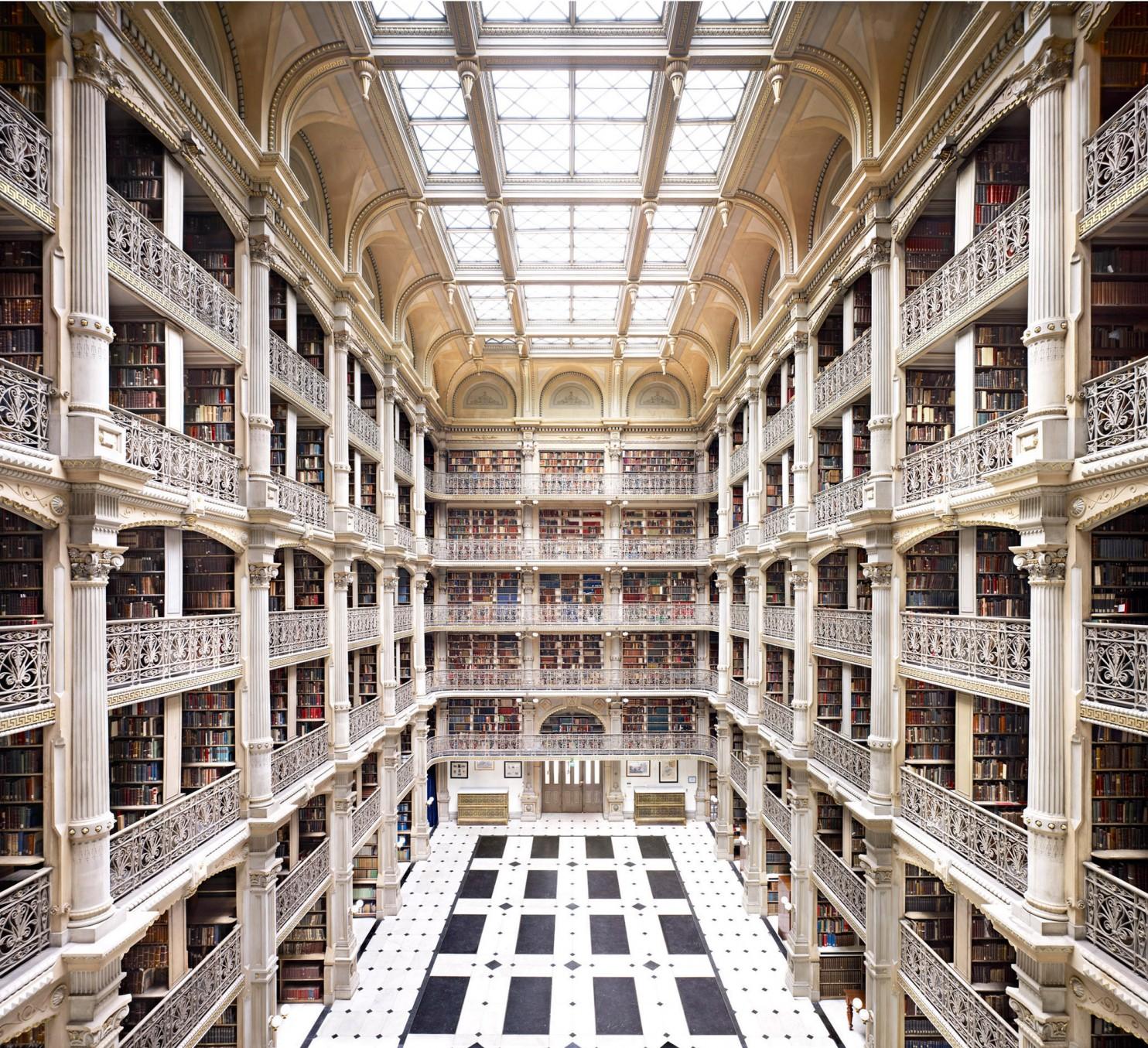 22 Candida Hofer Library