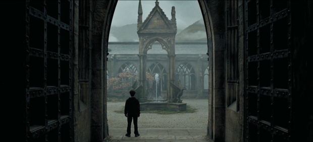 Harry Potter and the Prisoner of Azkaban (2004) Atmospheric Perspective